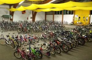 Beim Fahrradbasar 2015 wurden rund 240 Fahrräder und Dutzende Zubehörartikel präsentiert