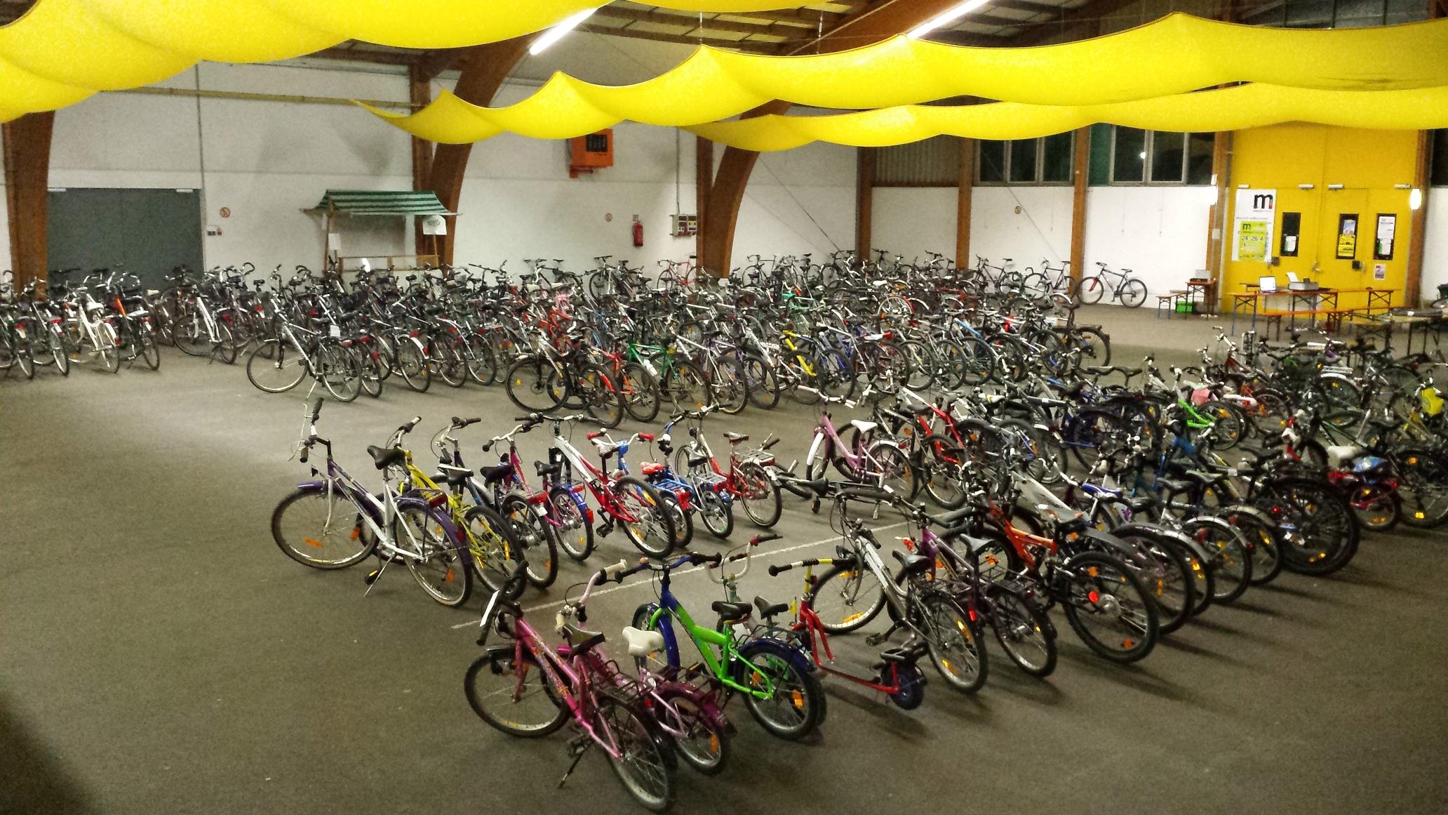 8. Fahrradbasar in der Markthalle Braunau